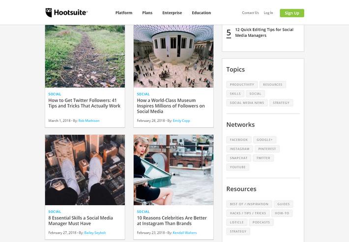 Современный корпоративный блог с привлекательным дизайном в карточном стиле